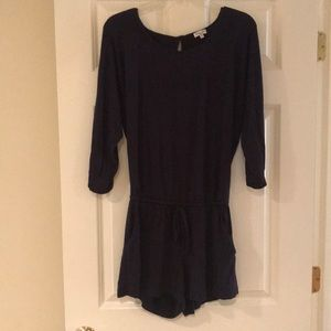 Splendid navy blue 3/4 sleeve shorts romper size S